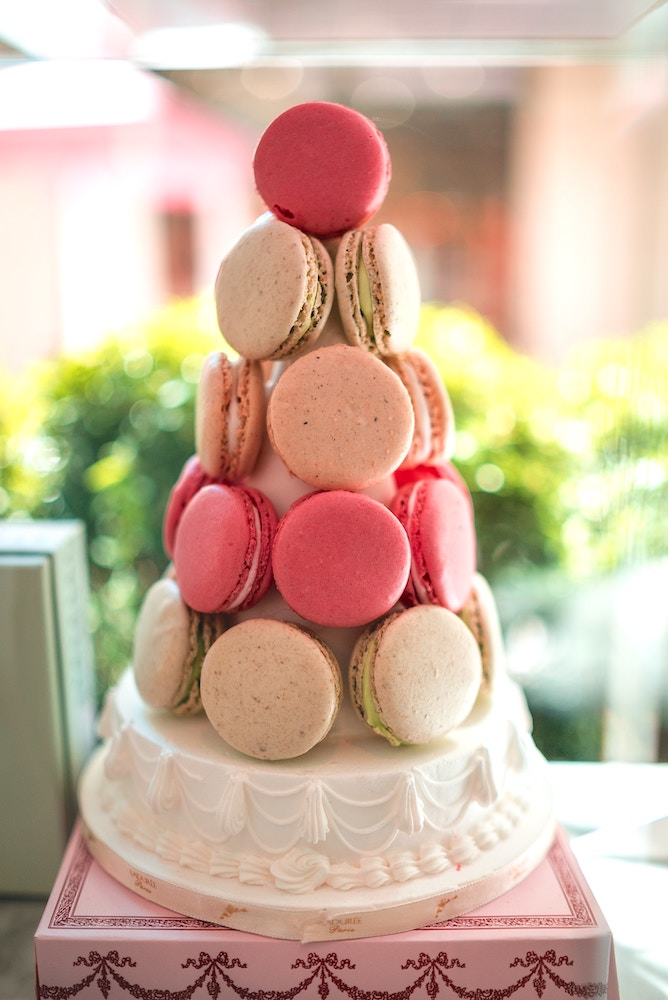 wedding decor hack, macaroon cake for a wedding cake alternative