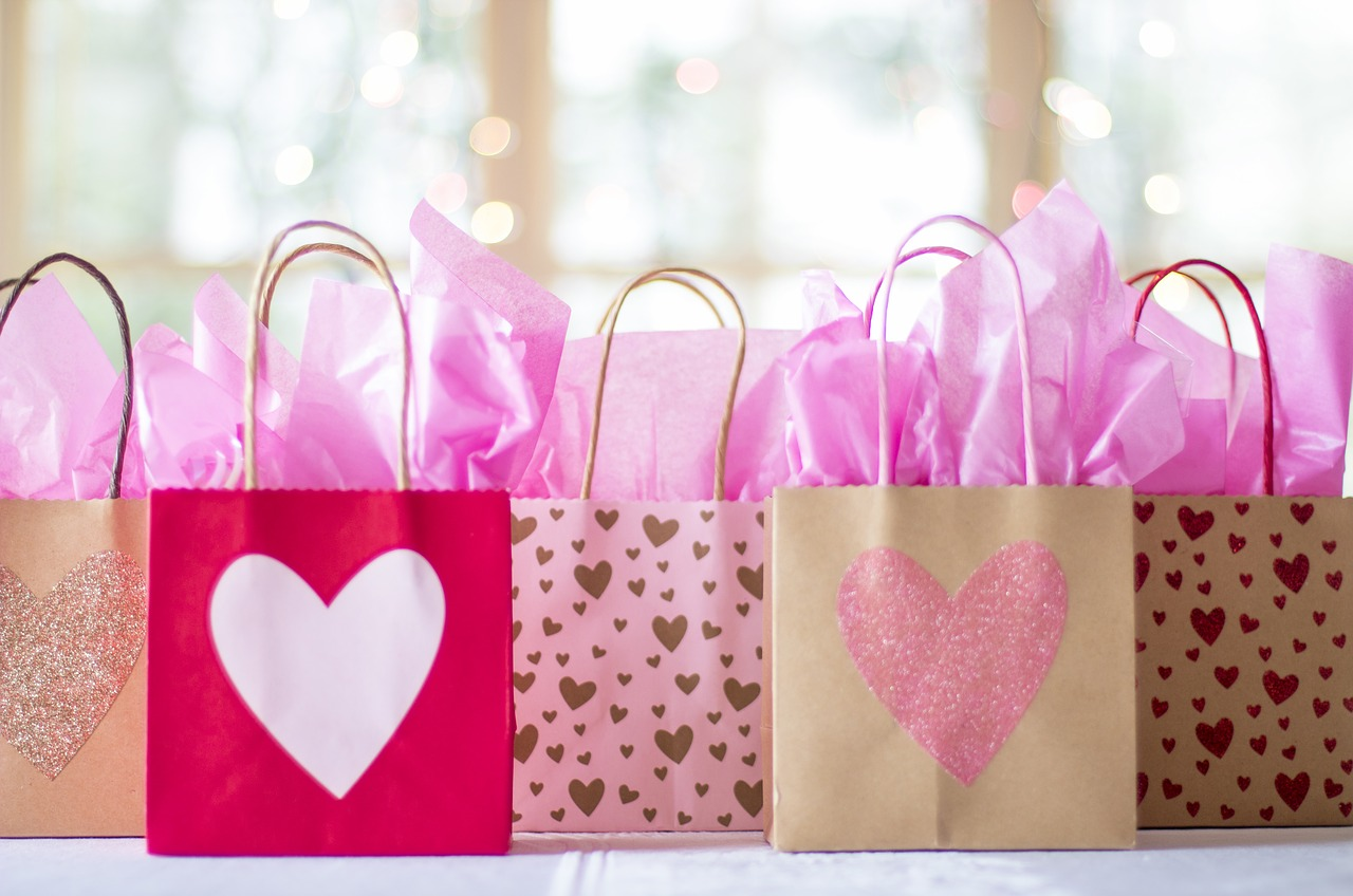 bridal shower presents, top 7 bridal shower themes