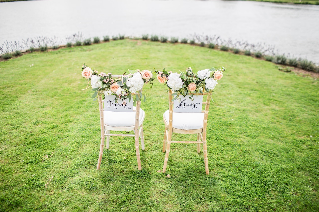 bride and groom chairs for outdoor at home wedding