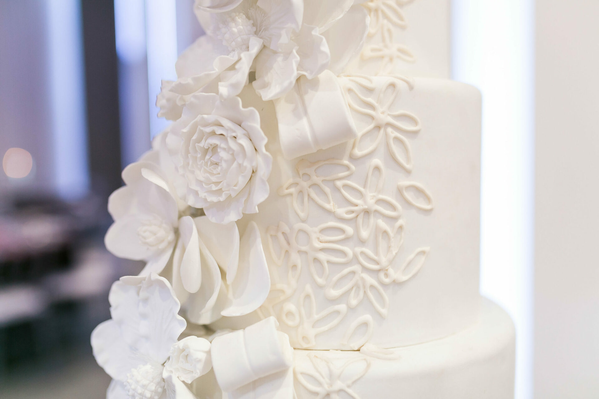 White cake for how to choose your wedding vendors